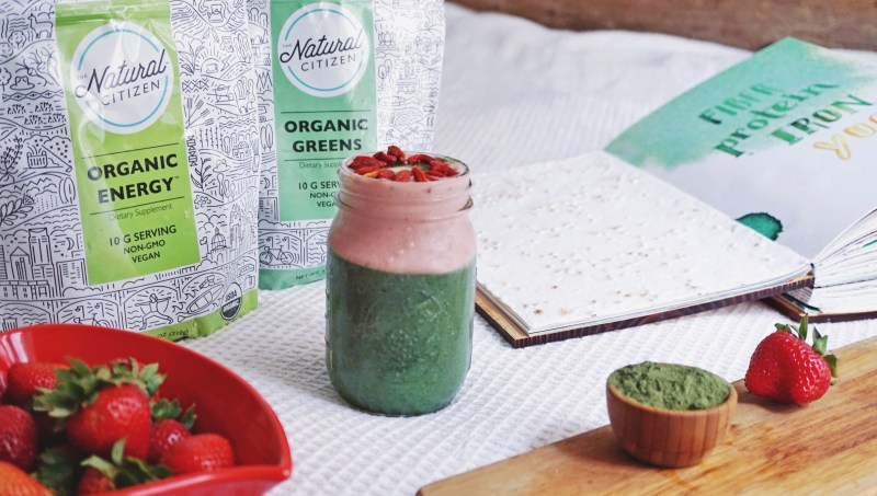 The Natural Citizen superfood powder smoothie recipe