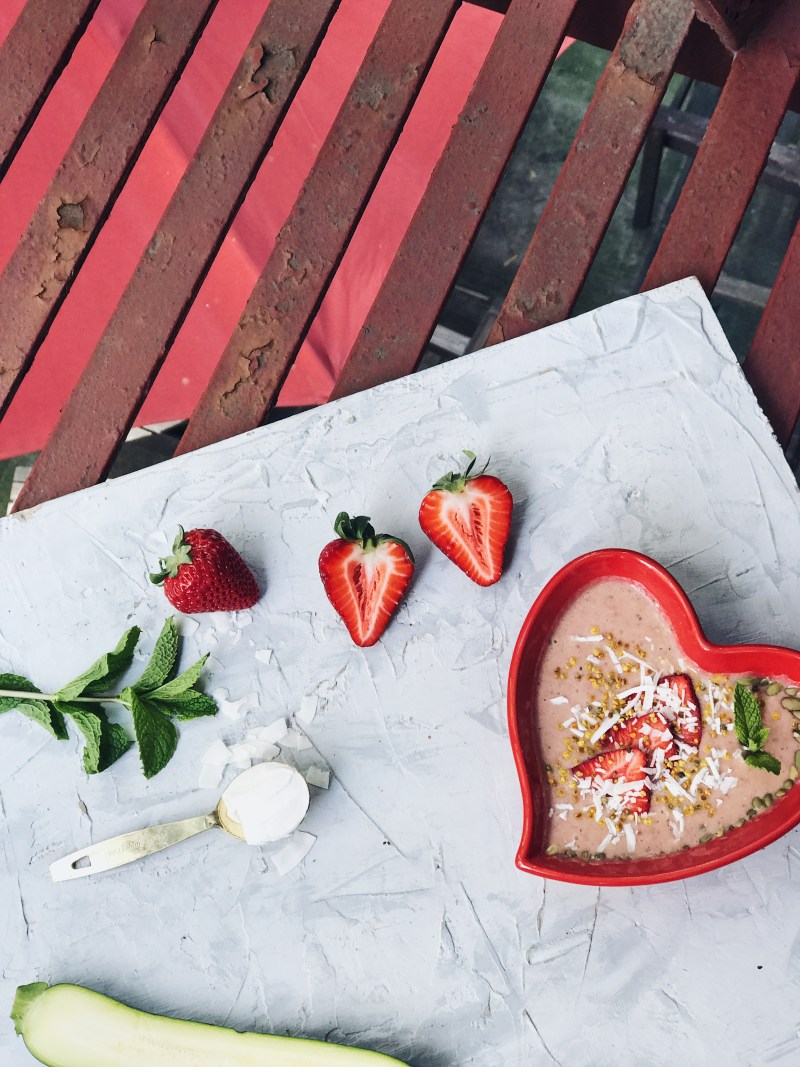 OLLY Probiotic Protein Strawberry Smoothie Bowl Recipe