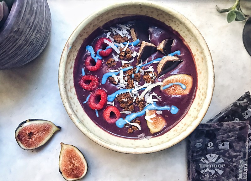 Kefir probiotic acai bowl with tambor acai