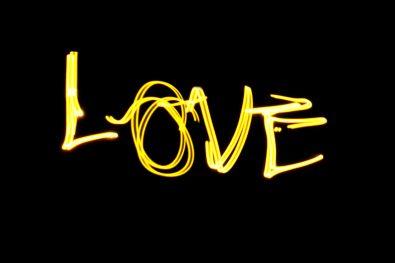 Love (Yellow) - Lanie's light-painting