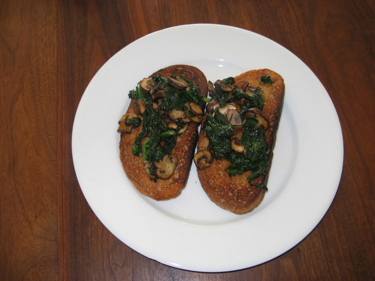 Spinach and Mushrooms on Garlic Toast