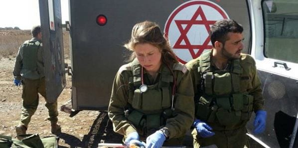 IDF medics operate a field hospital of injured Syrians near Israel's northern border. (Photo: IDF Blog)