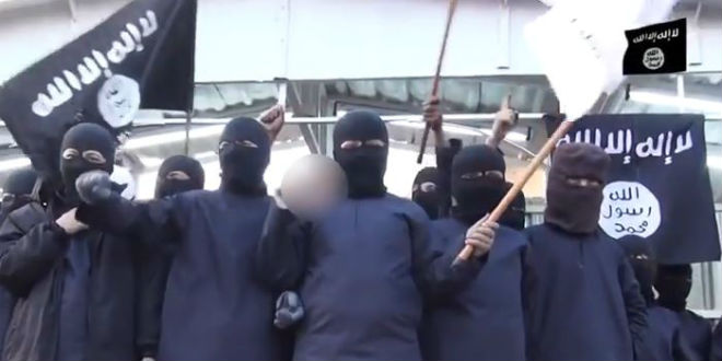 A group of children at a rally in support of ISIS. (Photo: YouTube Screenshot)
