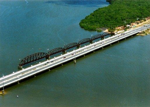 Ponte Velha e nova juntas