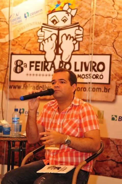 O escritor Márcio Benjamin (Foto: Divulgação/Facebook)