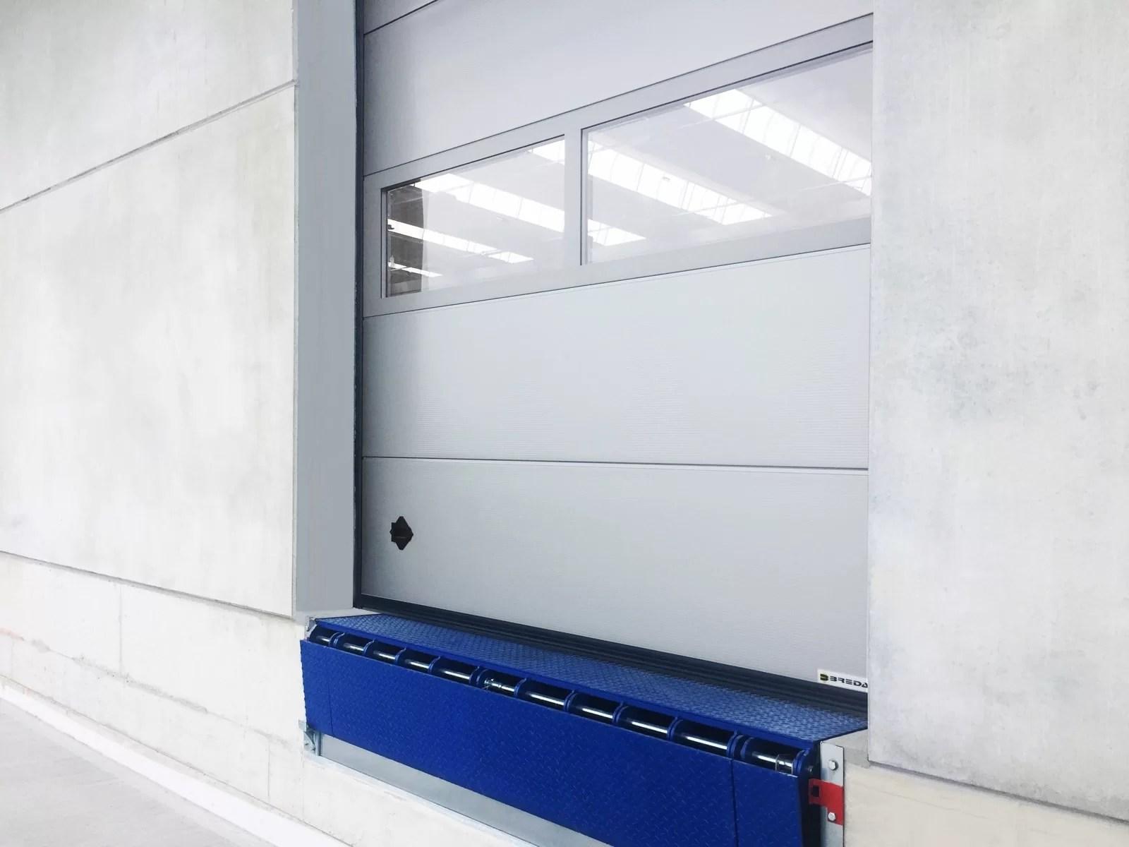 Portone sezionale industriale CARGO - Multirib grigio RAL 9006
