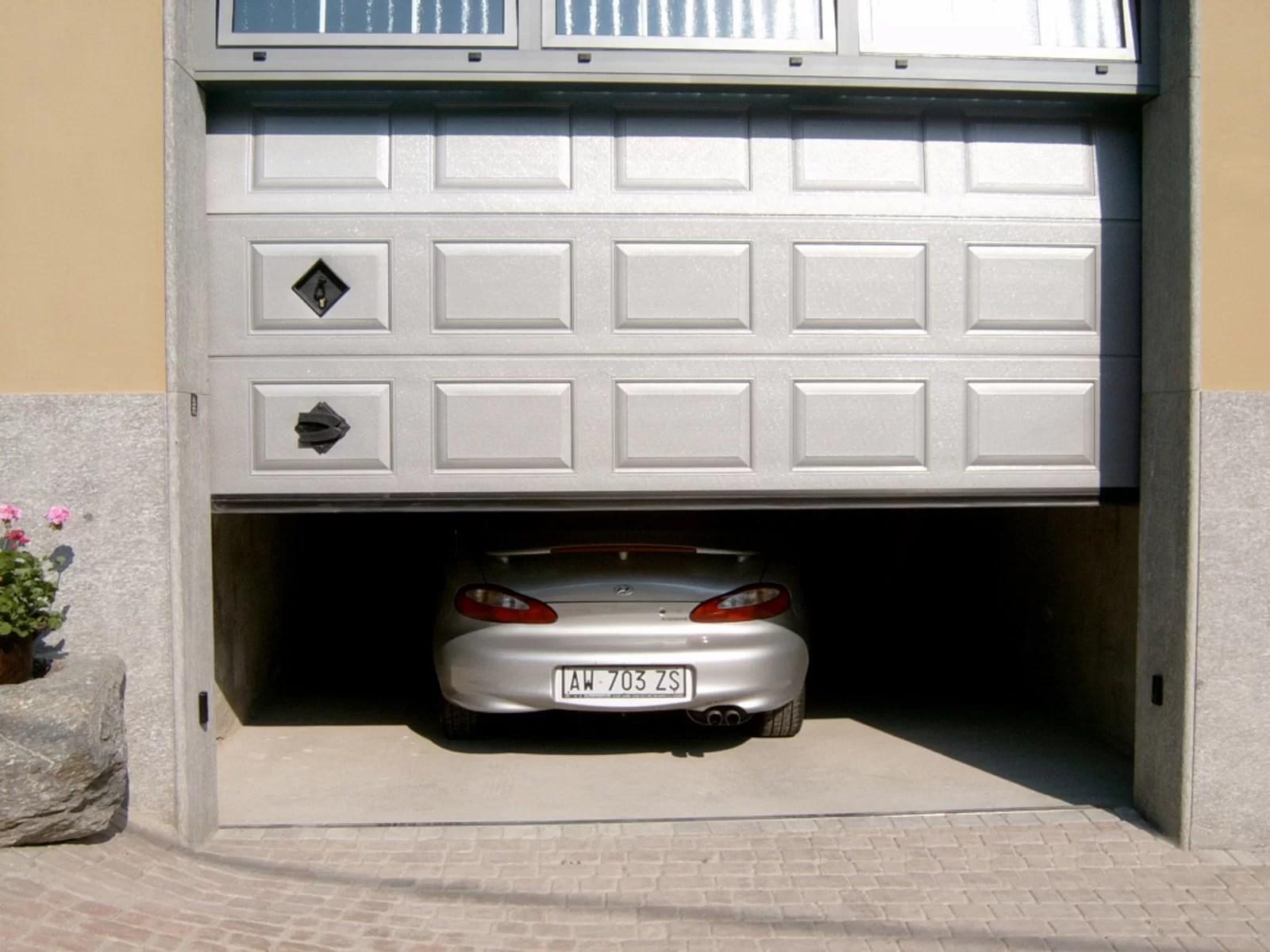 Portone sezionale da garage IRIS - Stucco grigio RAL 9006