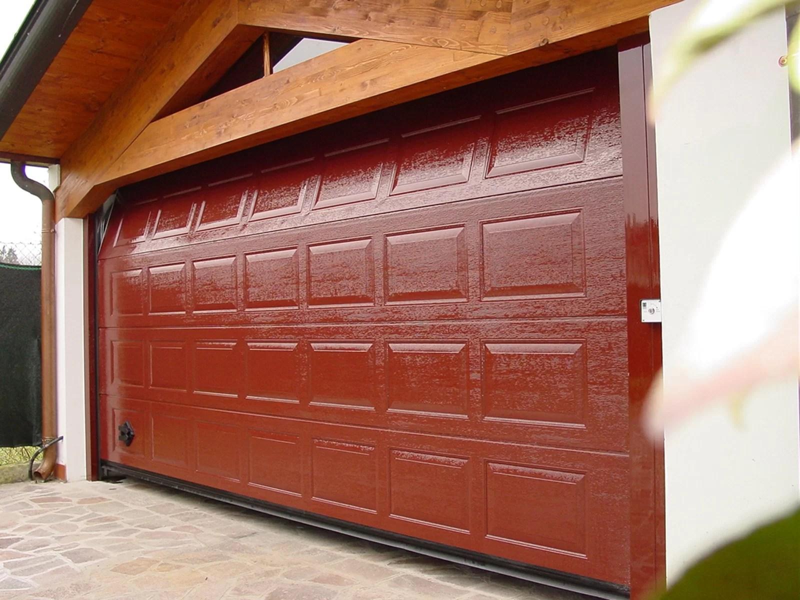 Portone sezionale da garage IRIS - Woodgrain rosso RAL