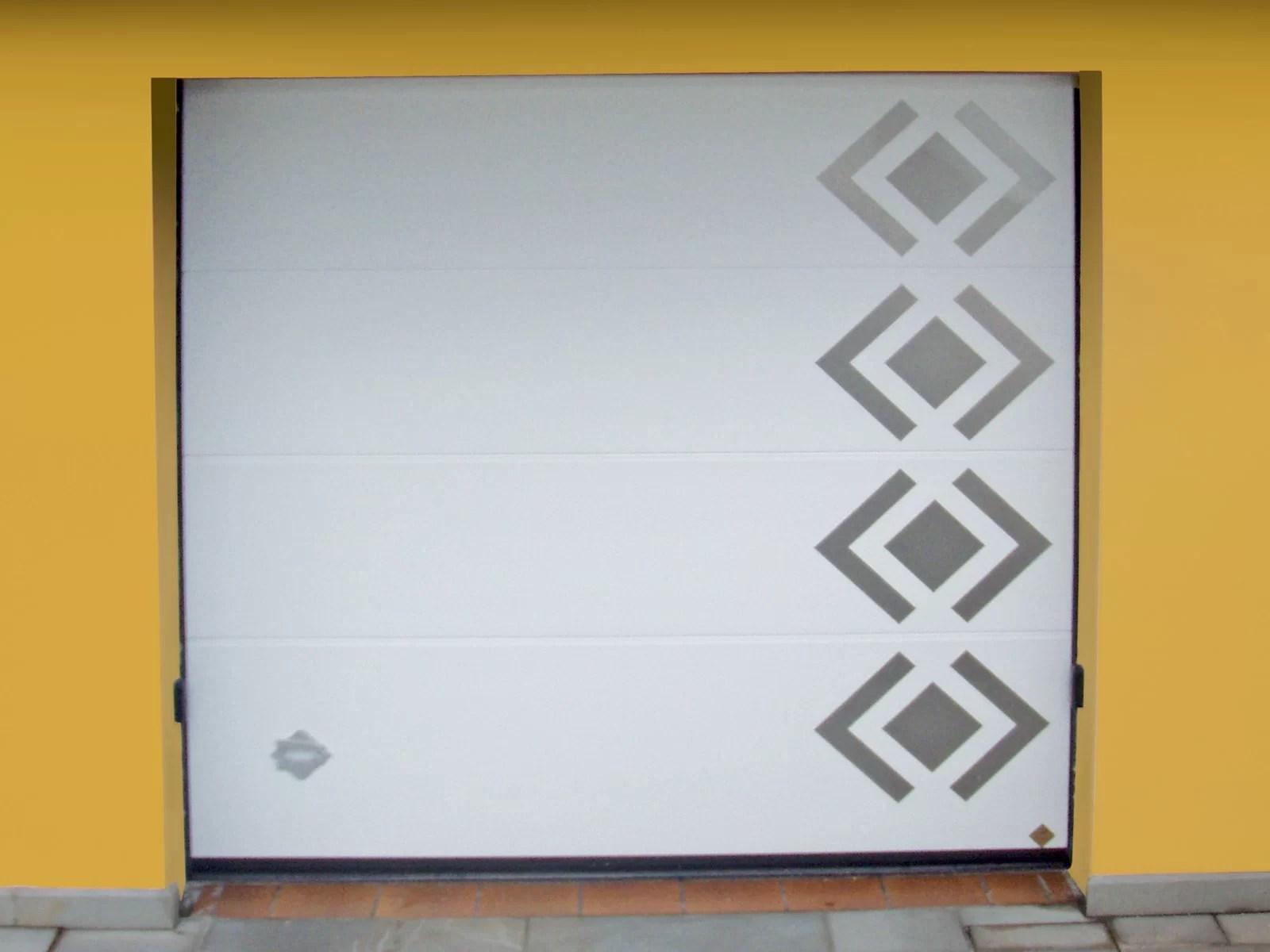 Portone sezionale da garage PERSUS DISEGNI SPECIALI - B224