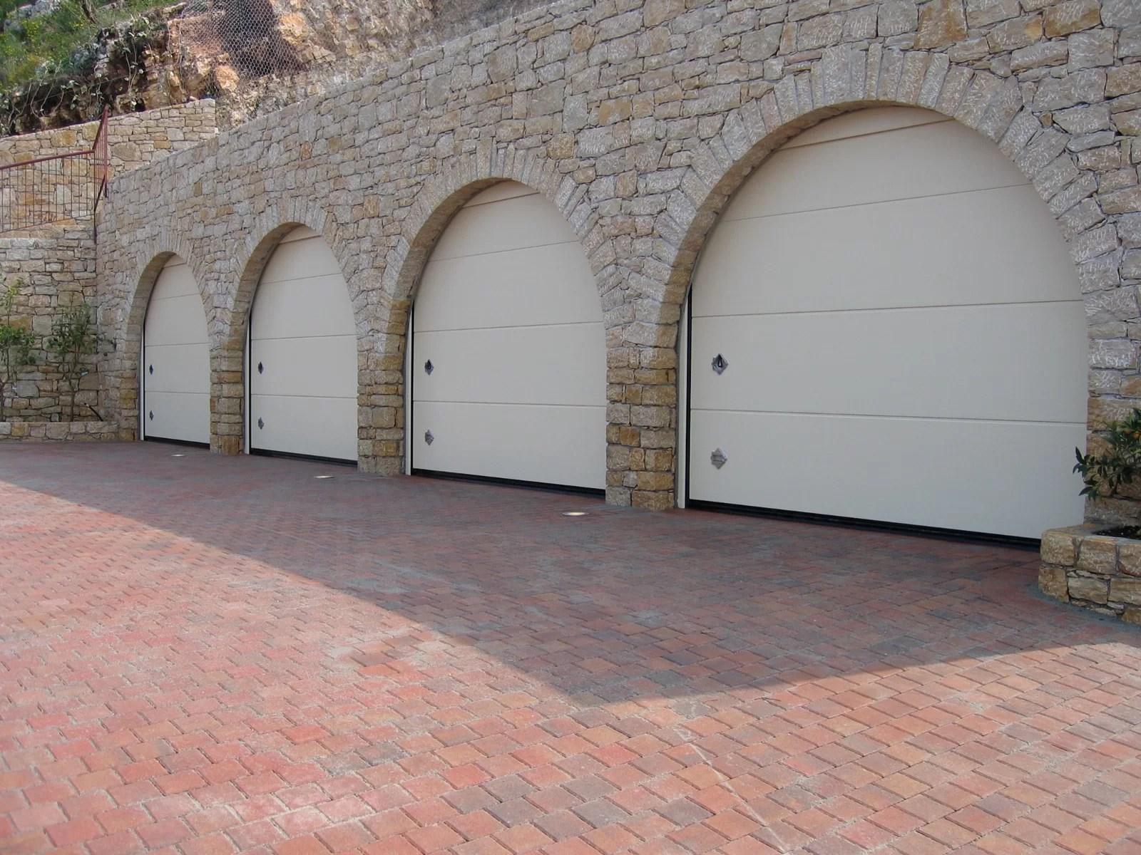 Portone sezionale da garage PERSUS - Liscio bianco