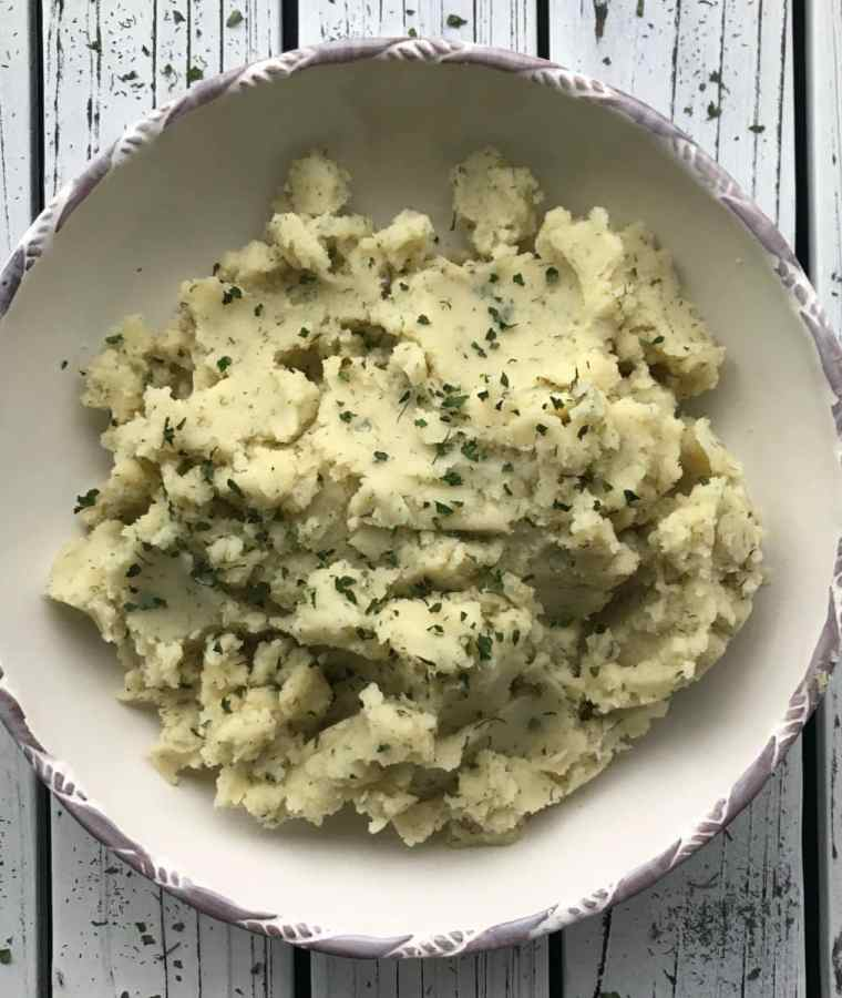 Fluffy Mustard and Dill Mashed Potatoes (Vegan, GF, Oil-Free)