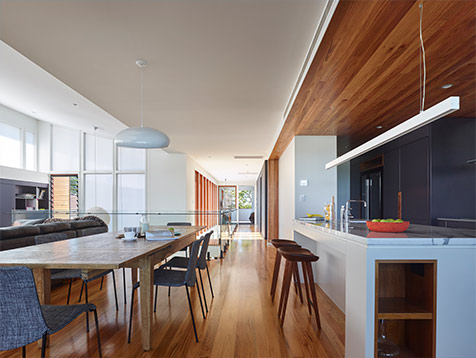 Contemporary Queenslander Enhanced Air Flow