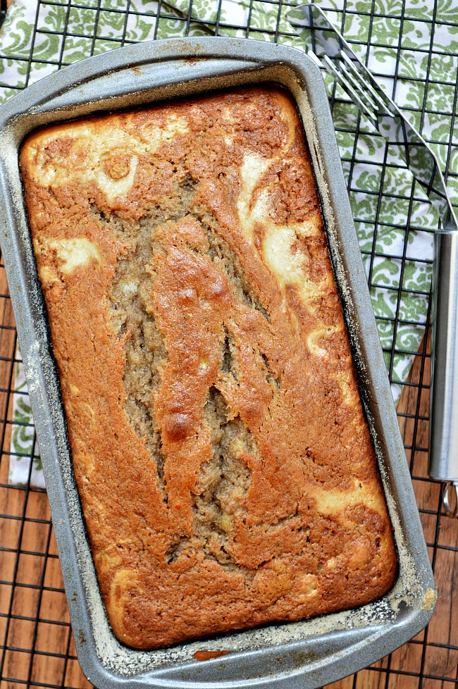 A perfectly sweet banana bread with a ribbon of cream cheese filling with this Gluten Free Cream Cheese Swirl Banana Bread. What a treat!