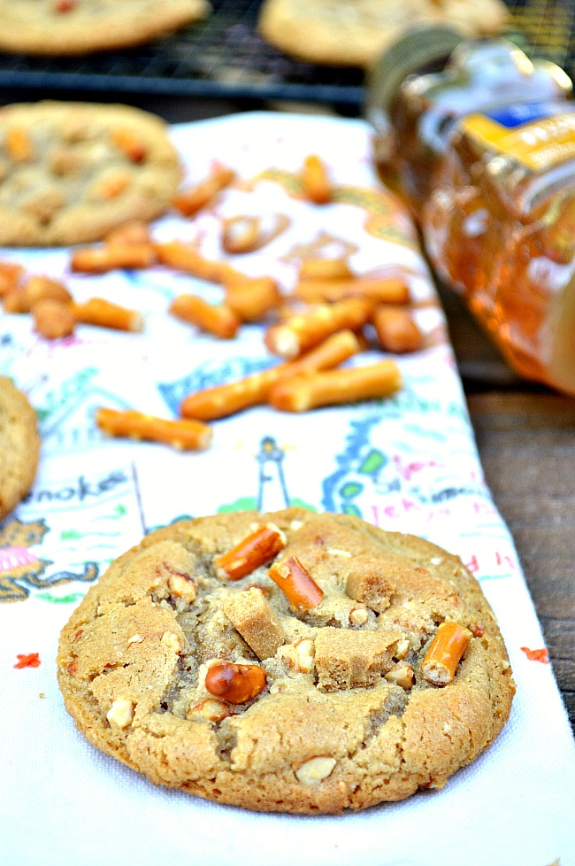 Please the whole crowd with chewy peanut butter cookies loaded with honey roasted peanuts, graham crackers, and pretzels with these Gluten Free Honey Roasted Peanut Butter Pretzel Cookies. They're crunchy. They're chewy. They're satisfyingly sweet!
