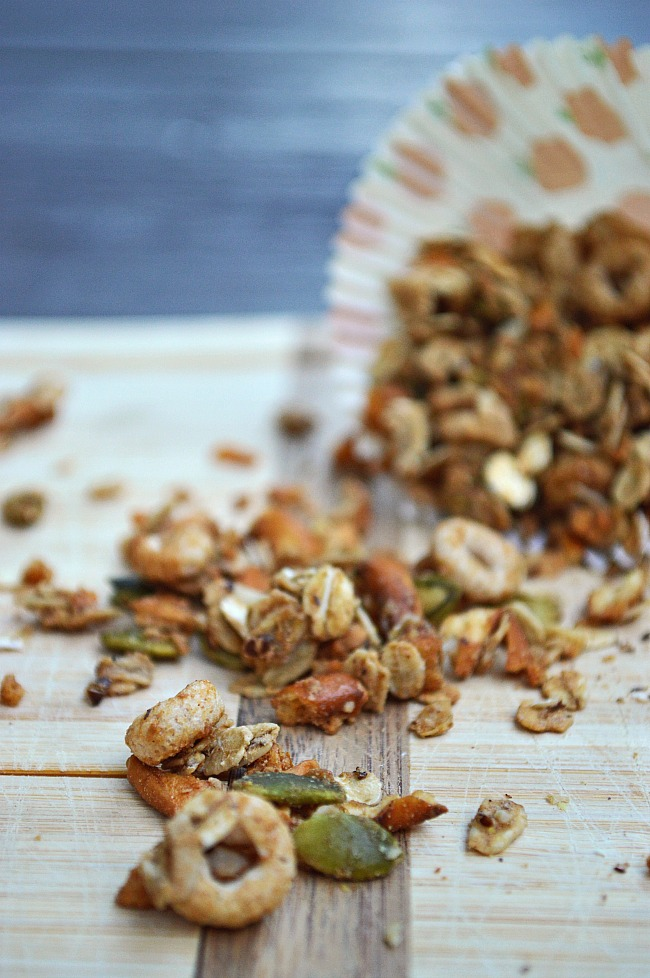 Try this healthy Gluten Free Apple Cinnamon Spiced Granola for breakfast, a healthy snack, or a late night treat. A great way to welcome Fall!