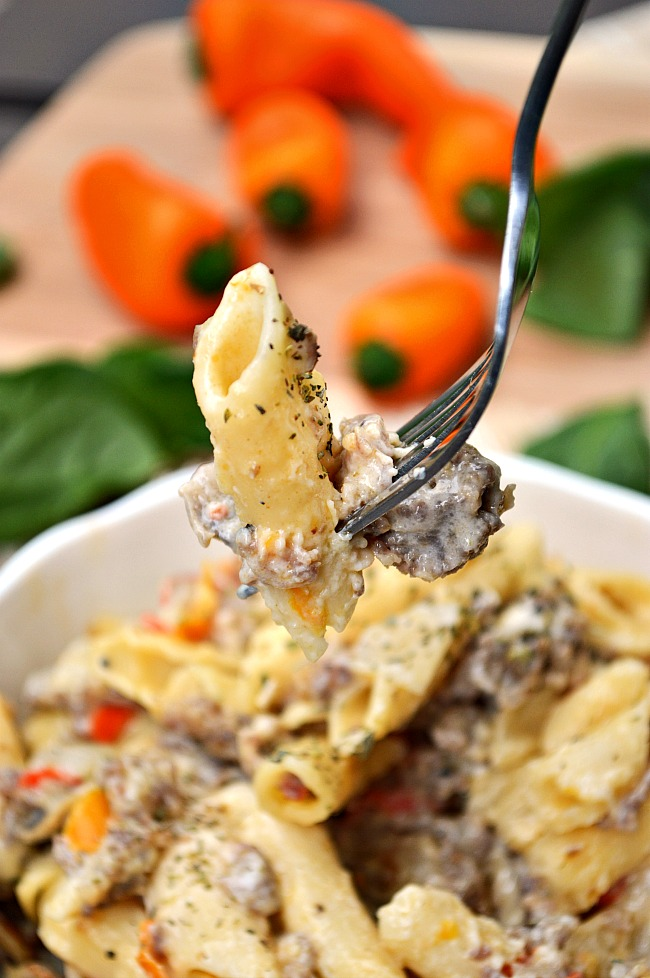 How about a bold bowl of this Gluten Free Italian Sausage Pepper Jack Mac n' Cheese for a winner dinner! It's just the right amount of spice with ALL the creaminess!!!