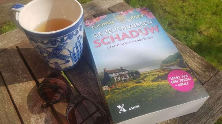 boek lezen in de zon bregblogt.nl