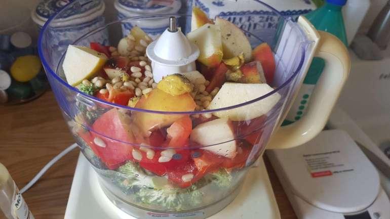 frisse broccolisalade met appel en pijnboompitten bregblogt.nl