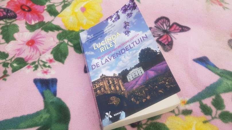 De Lavendeltuin - Lucinda Riley bregblogt.nl