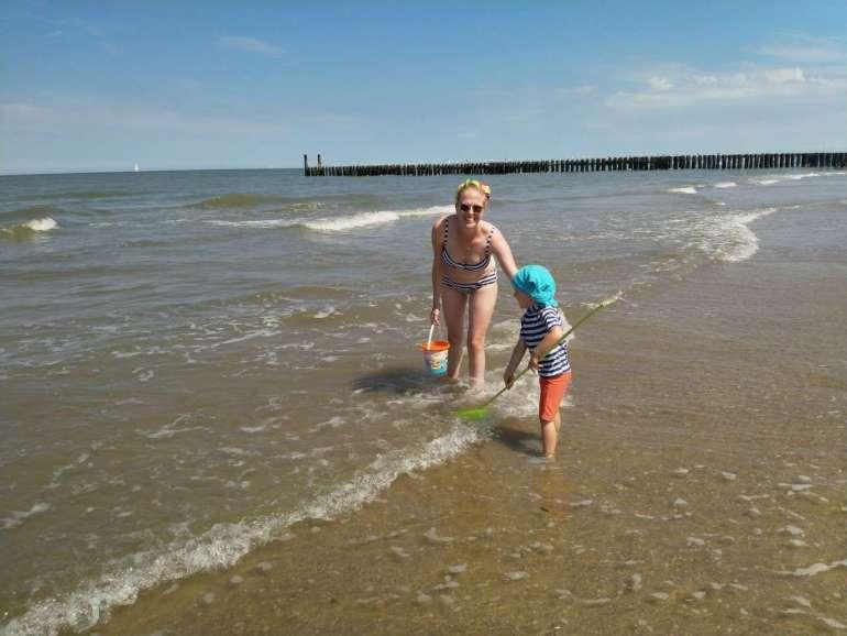 Spelen in de zee bregblogt.nl
