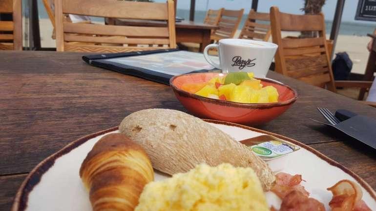 ontbijt Beachclub Perry's Brouwersdam Zeeland bregblogt.nl