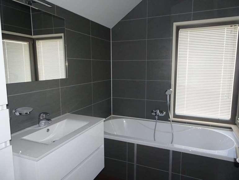 Golden Lakes Village badkamer bad 6-persoonsvilla bregblogt.nl