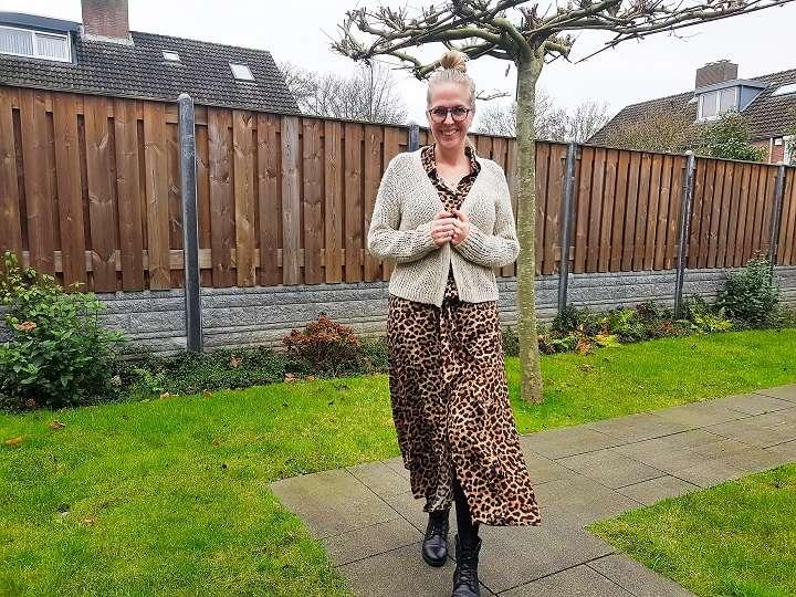 Maxidress met luipaardprint bikerboots bregblogt.nl