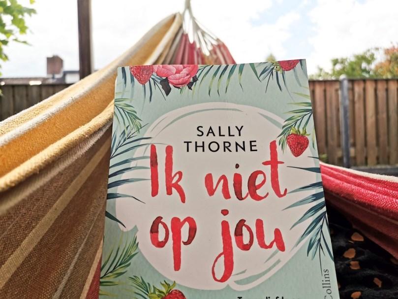 10 ontspannende boeken voor de vakantie bregblogt.nl Ik niet op jou Sally Thorne