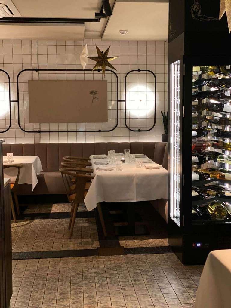 Onglet Maastricht sfeerbeeld wijnkast bregblogt.nl
