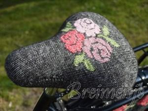 zadelhoes breien roosjes