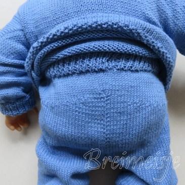 Babybroekje breien achterkant patroon