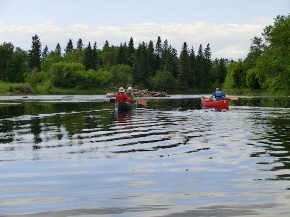 Kanutour im Whitemouth River in Kanada