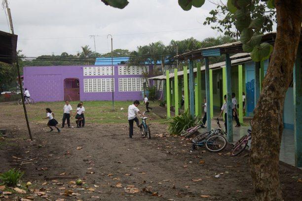 Costa Rica - Tortuguero Nationalpark - Schule