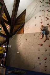 Kletterwand im Hotel - Familienurlaub Österreich
