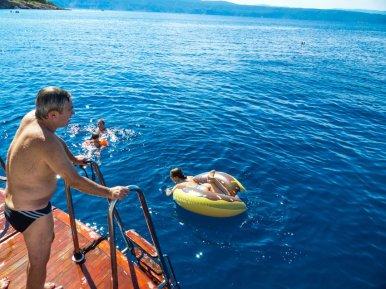 Kreuzfahrt in Kroatien - Liane Ehlers - 03 Kroatien baden