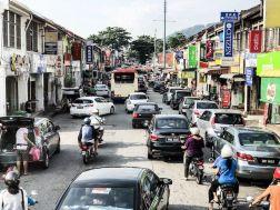 Buntes Treiben in den Straßen von Penang