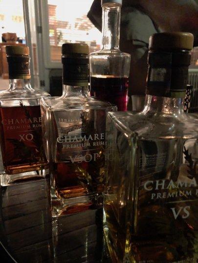 Lokalen Rum gibt es in der Cavendish Bar