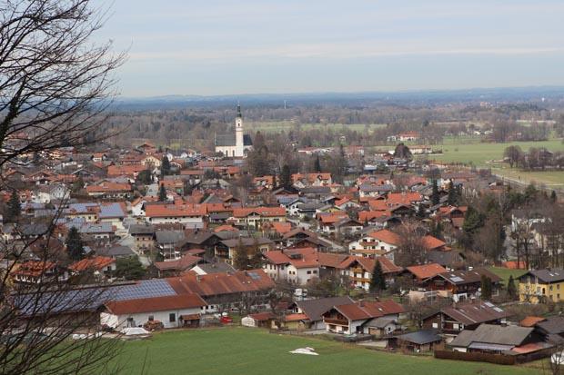 Flintsbach ist malerisch im Inntal gelegen