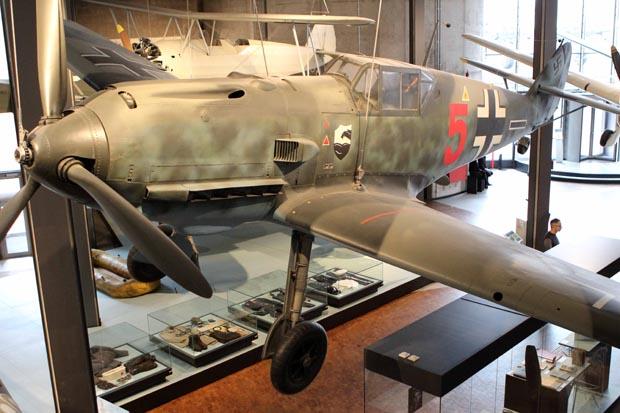 Aus dem Zweiten Weltkrieg sind viele Flugzeuge zu sehen