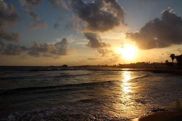 Am Abend wirkt der Hafen von Paphos besonders stimmungsvoll