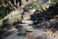 Überall stehen Steinmännchen