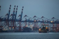 Fast fünf Kilometer lang ist die Kaje des Container-Terminals in Bremerhaven
