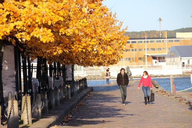 Der Platz vor der Oper in Göteborg lädt zum Bummeln ein