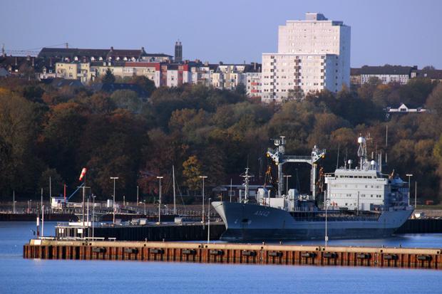Der Marinehafen in Kiel
