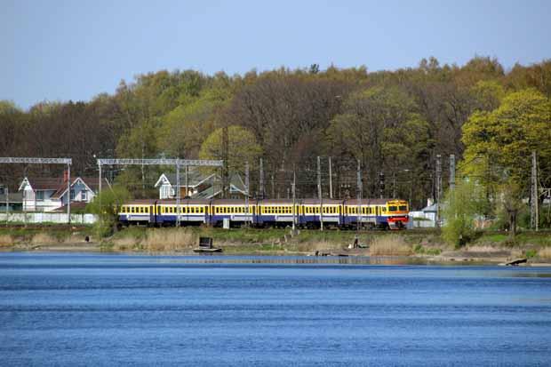 Mit einem solchen Zug bin ich von Riga nach Jurmala gefahren