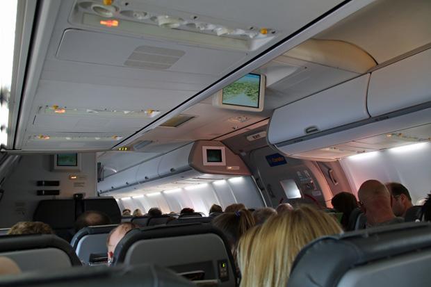 Blick durch das Flugzeug