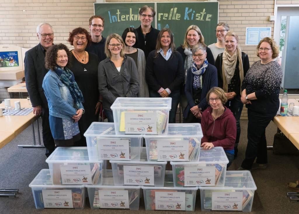Übergabe der KomIn Bücherkisten an Grundschulen BremerLeseLust