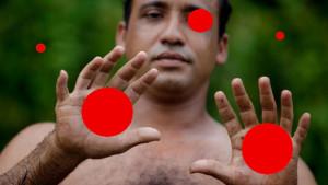 5 red balls optical illusion
