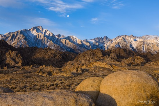 Landsccape of Alabama Hills and Sierra Nevada Mountains, California.