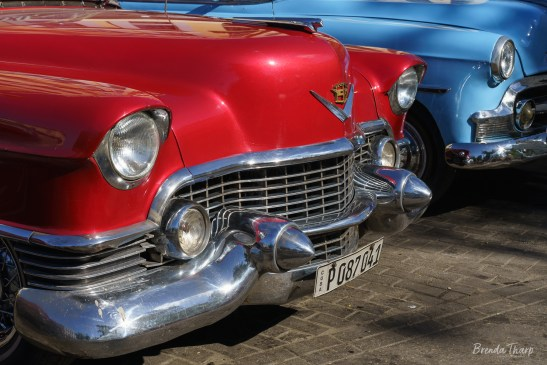 Red and Blue Cars, Havana.